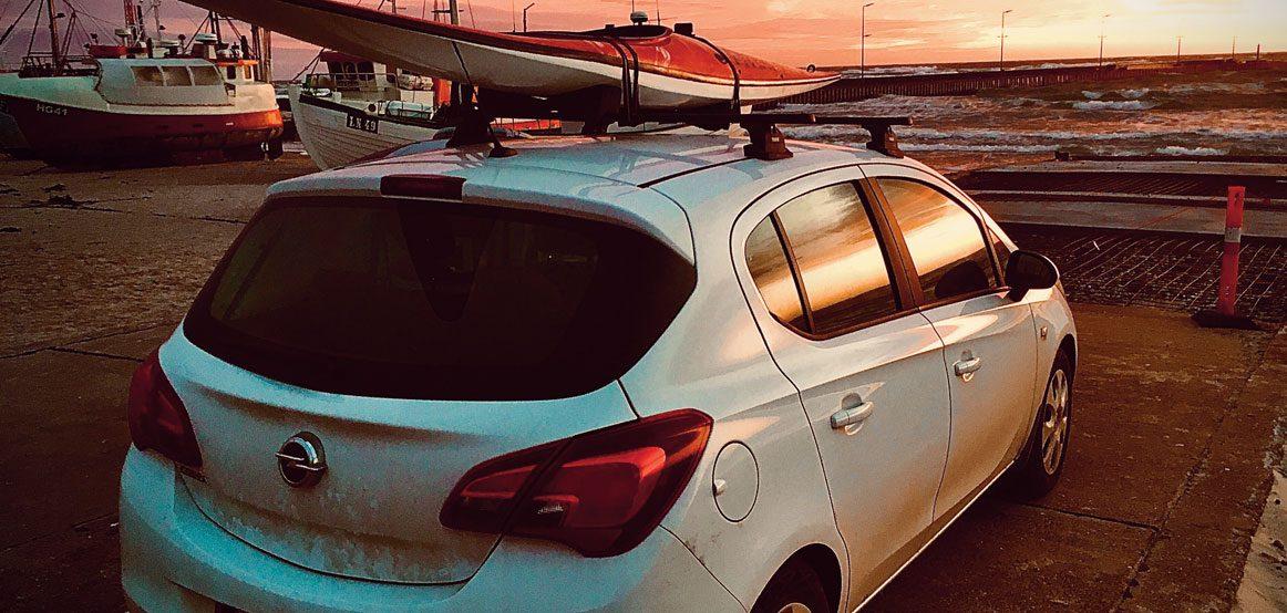 Å kjøre bil med kajakk på taket