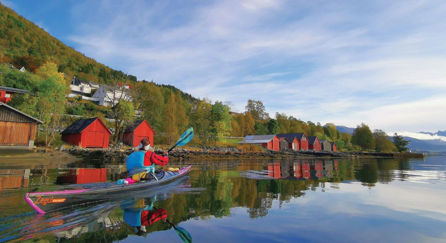 Jeg hadde aldri padlet i Ørstafjorden tidligere. De mange vakre visuelle inntrykkene som møtte meg denne lørdagen kommer jeg sent til å glemme